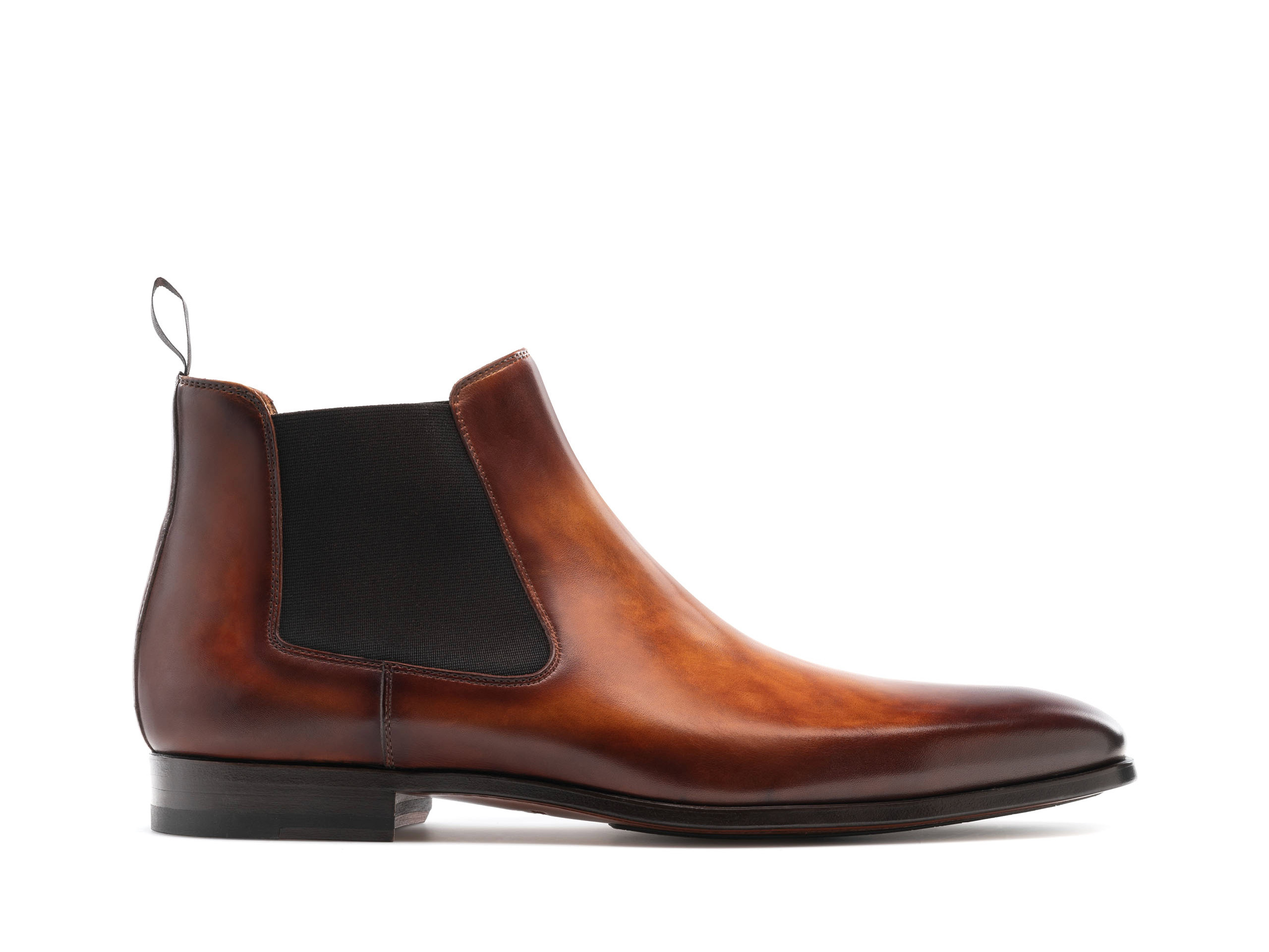 Side view of the Magnanni Shaw Cuero Men's Leather Chelsea Boots