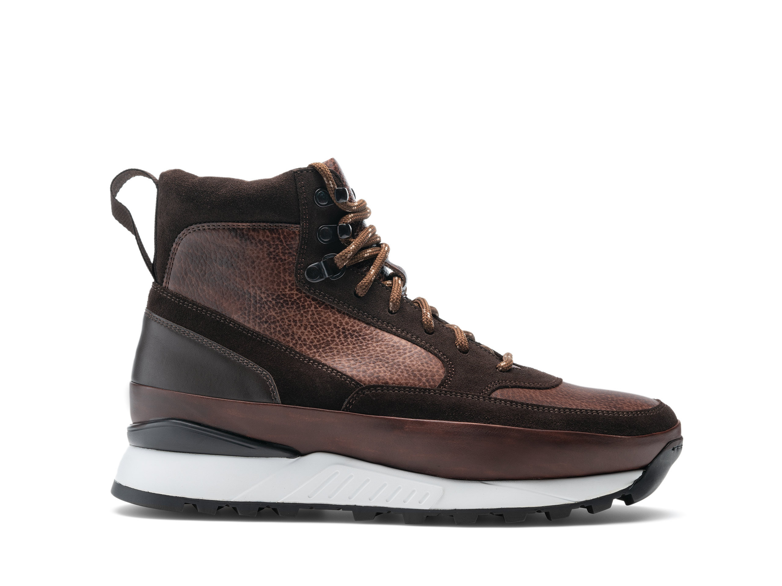 Side view of the Magnanni Bodhi Brown Boots