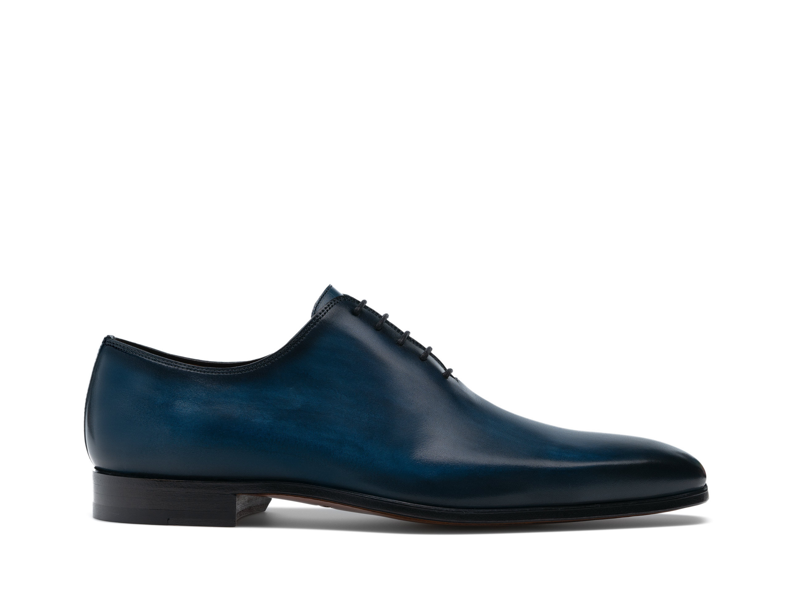 Side view of the Magnanni Cruz Royal Men's Oxford Shoes