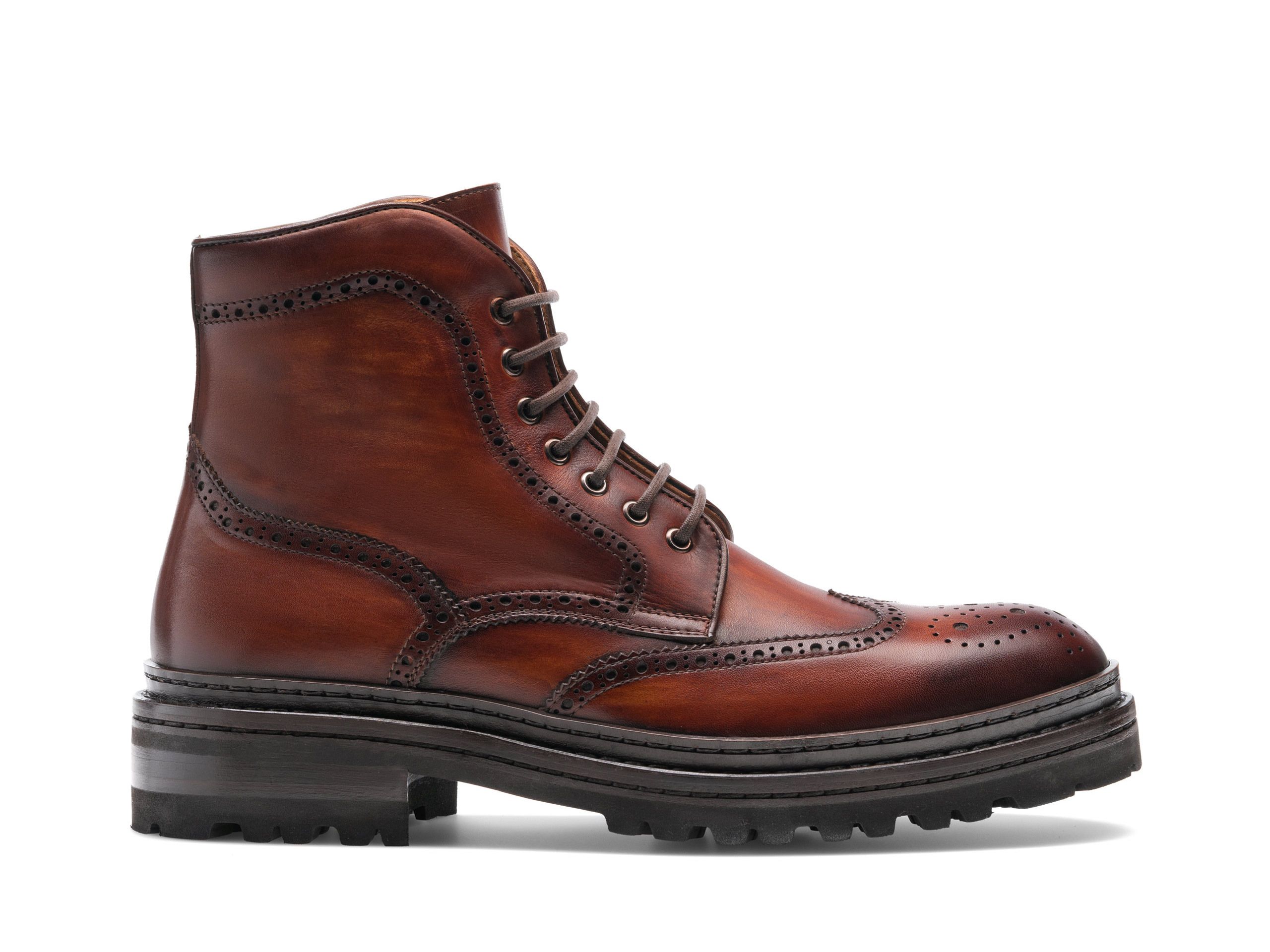 Side view of the Magnanni Daroca Cognac Boots