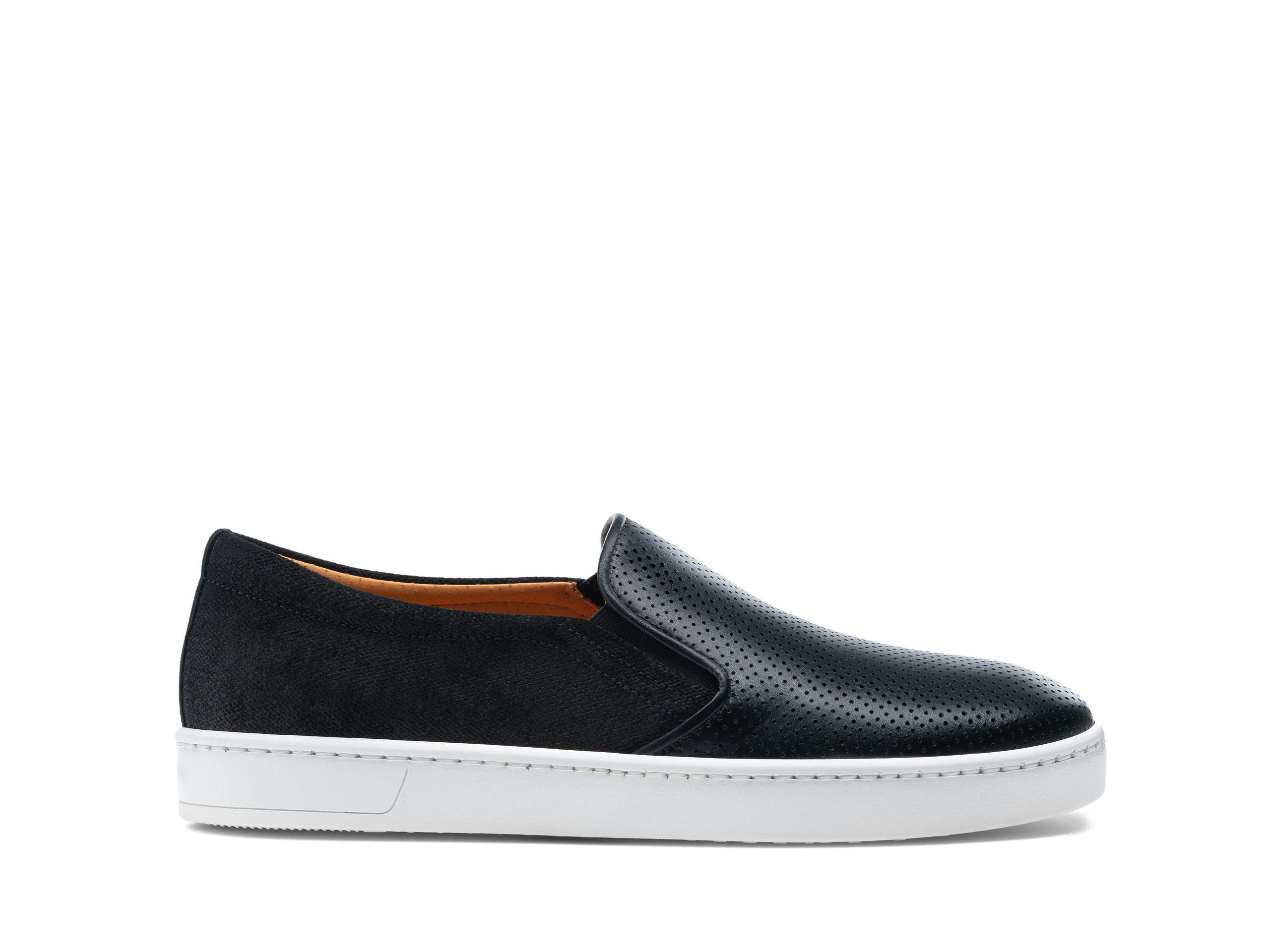 Side Profile of Turo Lo Black Sneakers